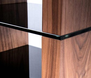blox-walnut-black-closeup